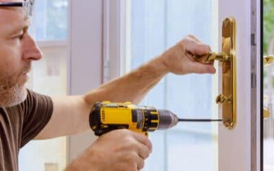 Comment réparer et installer une porte soi-même ?